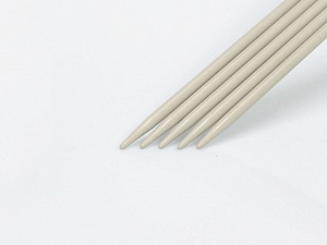 5.5 mm (US 9) Length: 30cm. Size: 5.5 mm (US 9) A set of 5 double-point knitting needles. Brand Ice Yarns, acs-1070