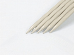 10 mm (US 15) Length: 30cm. Size: 10 mm (US 15) A set of 5 double-point knitting needles. Brand Ice Yarns, acs-1075