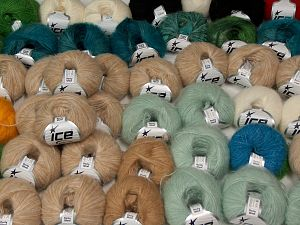Luxury Yarns In this list; you see most recent 50 mixed lots. <br> To see all <a href=&/mixed_lots/o/4#list&>CLICK HERE</a> (Old ones have much better deals)<hr> Brand Ice Yarns, fnt2-68535