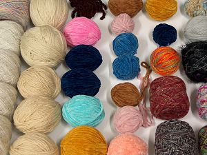 Leftover Yarns In this list; you see most recent 50 mixed lots. <br> To see all <a href=&/mixed_lots/o/4#list&>CLICK HERE</a> (Old ones have much better deals)<hr> Brand Ice Yarns, fnt2-69890