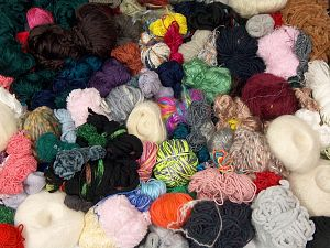 Leftover Yarns In this list; you see most recent 50 mixed lots. <br> To see all <a href=&/mixed_lots/o/4#list&>CLICK HERE</a> (Old ones have much better deals)<hr> Brand Ice Yarns, fnt2-70210
